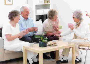 спілкування в домі престарілих